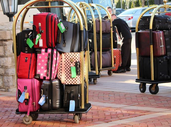 Reasons to Choose Luggage Storage Services